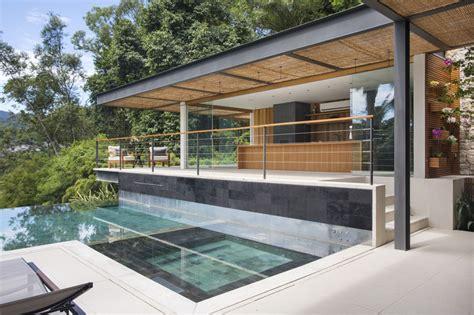 cuisine d été couverte piscine à débordement cuisine d été et vue spectaculaire