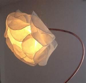 Lampadaire Cuivre Rosé : lampadaire fleur blanc en cuivre et papier luminaires par rose recele lumi re cr ations ~ Teatrodelosmanantiales.com Idées de Décoration