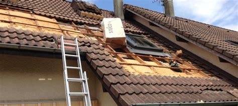 eclairage exterieur sous toiture isolation des toitures avec de bois et de