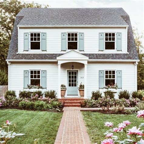 House With White Shutters by Best 25 Blue Shutters Ideas On Siding Colors