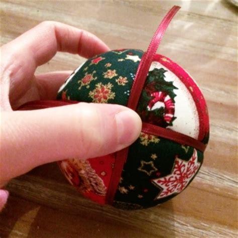 Fabriquer Des Boules De Noël Avec Du Tissu