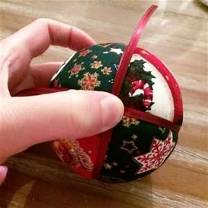 Boule De Noel A Fabriquer : comment fabriquer des boules de no l en tissus bricobistro ~ Nature-et-papiers.com Idées de Décoration