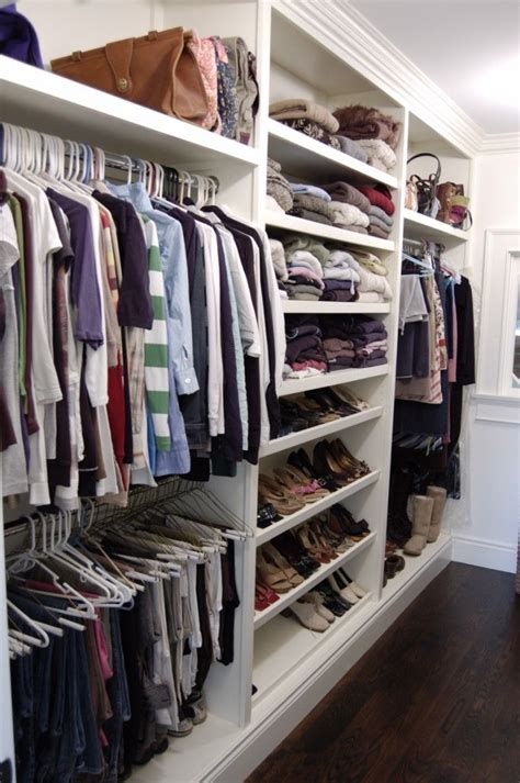 great closet   nice   isnt staged