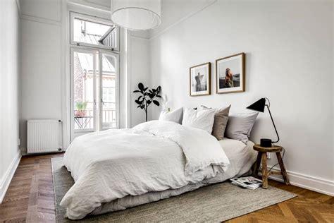 Bedroom Minimalist by A Look At Minimalism 5 Steps To A Minimalist Bedroom
