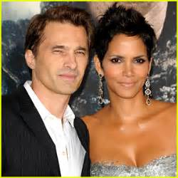 Halle Berry Marries Olivier Martinez in France ...