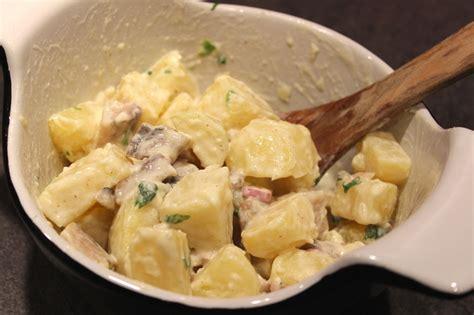 cuisiner le hareng salade de pommes de terre aux harengs fumés pour ceux