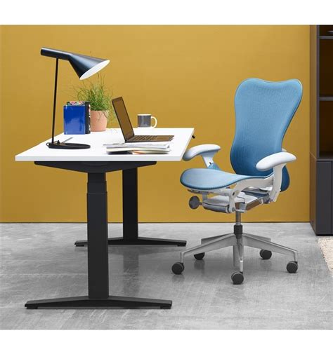 auto height adjustable desk herman miller ratio height adjustable desk office chairs uk