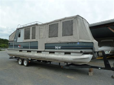 30 Pontoon Boat by Sun Tracker Boats 30 Hut Boats For Sale