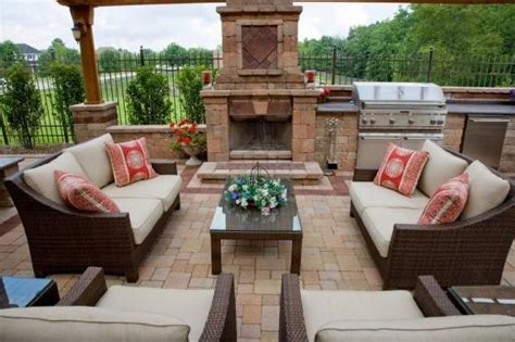 shopping tips for outdoor spaces landwork contractors