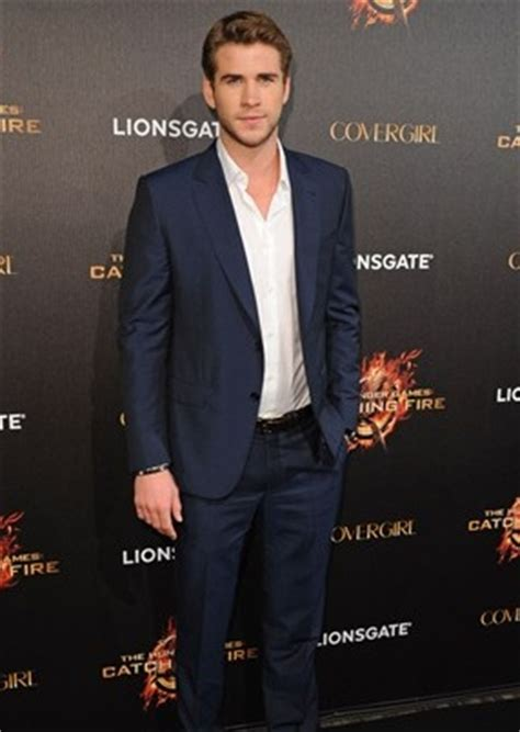 liam hemsworth body measurements weight height shoe size