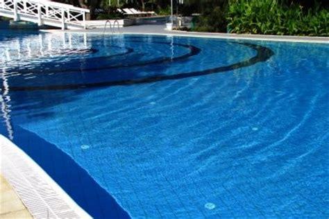 Pool Befüllen Lassen by Pool Ablassen Granitplatte Terrasse