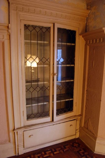 leaded glass kitchen cabinets 25 best ideas about leaded glass cabinets on 6873