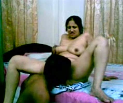 Fuck Buddy Of A Mature Desi Lady Eats Her Pussy And Pumps