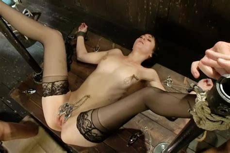 submissive lady and anal discipline