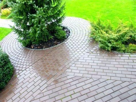 Garten Gestalten Weg by Weg Garten Anlegen Gartenweg Foto Marina Lohrbach Fotoliacom