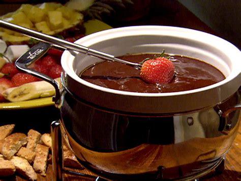 swiss fondue recipe cheesy fondue dinner sauce