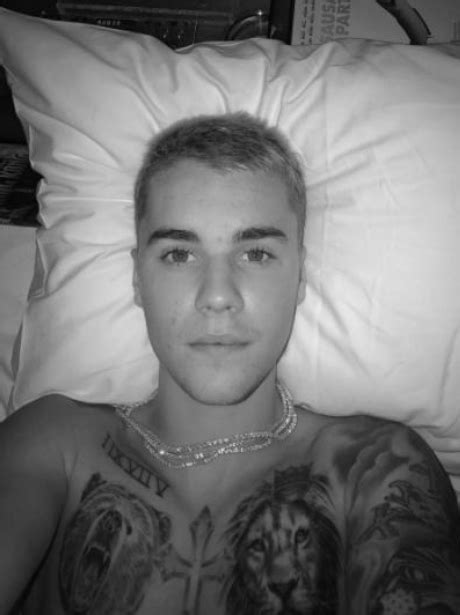 Is that ANOTHER new tattoo we spy with out little eye Biebz? - This Week's MUST-SEE... - Capital