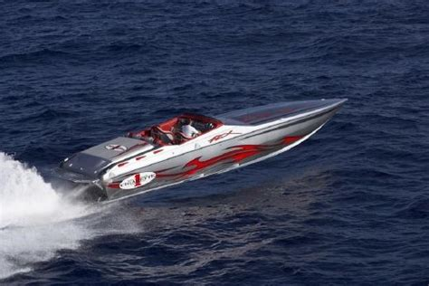 Cigarette Racing Boats For Sale Uk by Cigarette Racing Boats For Sale Yachtworld Uk