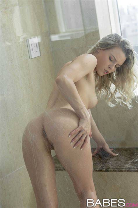 Aubrey Gets Fucked After Taking Hot Sensual Shower Photos