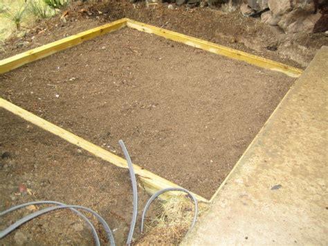 tub foundation gravel form for pea gravel below tub