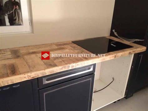 cuisine palette cuisine recouverte avec palettesmeuble en palette meuble