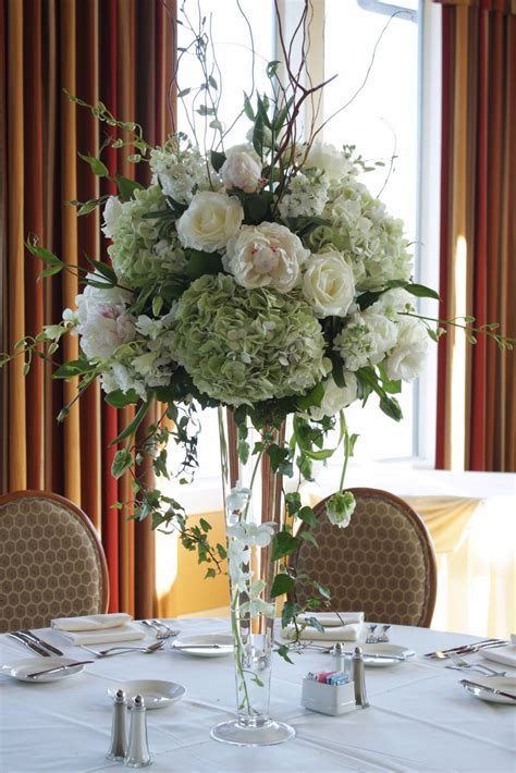 Flower Vases For Centerpieces by Green Wedding Centerpiece My Wedding Centerpieces