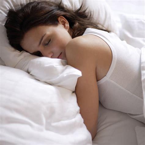quand faire dormir bébé dans sa chambre comment coucher bebe quand il fait chaud