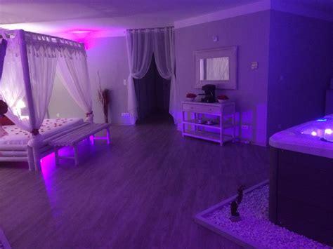 chambre avec spa privé location romantique avec et piscine proche de