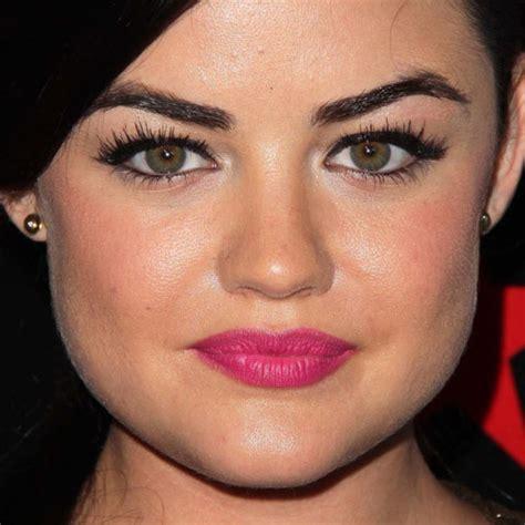 Lucy Hale Makeup: Black Eyeshadow & Hot Pink Lipstick ...