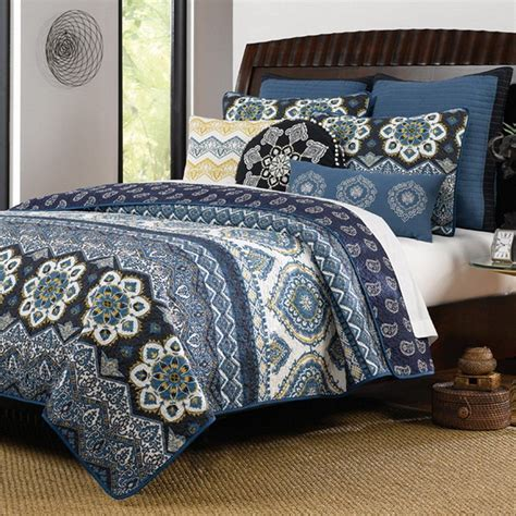 Navy White Quilt by Navy Blue Bedding Sets And Quilts Quilt Bedding King