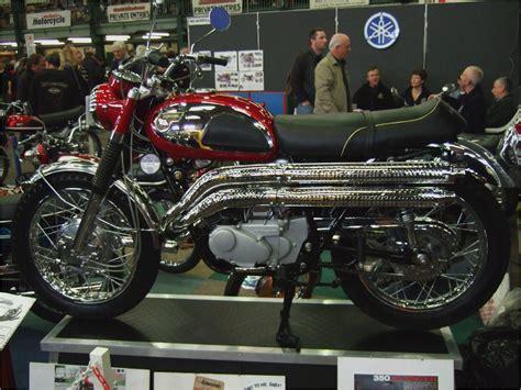 suzuki samurai motorcycle moto morini kanguro and dart classic motorcycle roadtest
