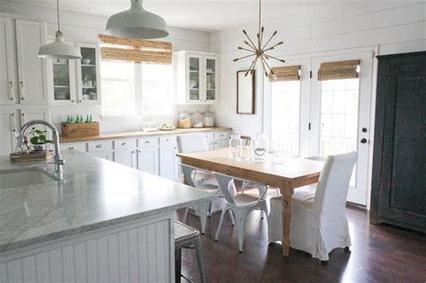 Amazing White Modern Farmhouse Kitchens-city Farmhouse