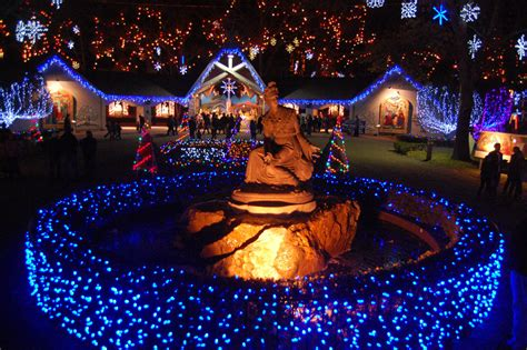 christmas lights coulon park where to see the best lights around boston the artery