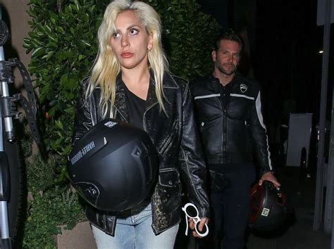 Bashkojnë Forcat Gaga Dhe Cooper