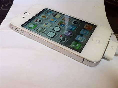 iphone 4s used used unlocked white iphone 4s 64gb sold phone
