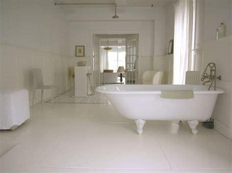 parquet blanc salle de bain photo guide de la salle de bain salle de bain en c 233 ramique avec parquet blanc