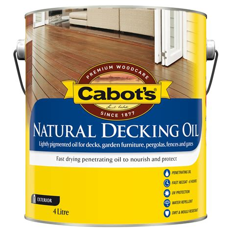 cleaning  applying  coats  cabot deckcorrect cabot
