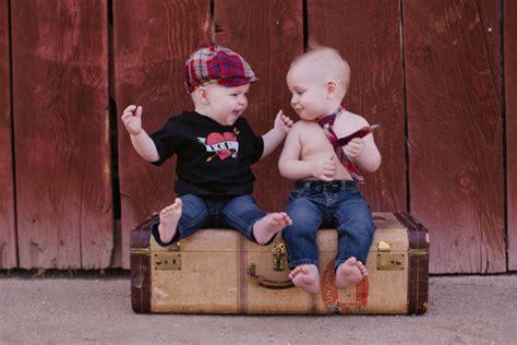 tiny cousins baby portraits bakersfield wedding