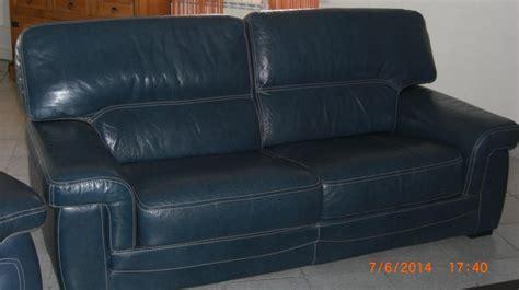 canapé en cuire troc echange canape et fauteuil en cuire bleu sur