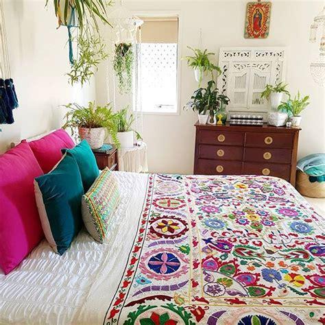 colorful bedroom decorating ideas best 25 bohemian bedspread ideas on boho 14886