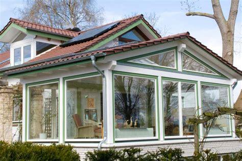Einfamilienhaus Zweistoeckiger Wintergarten Mit Glasdecke by Kosten Elektroinstallation Einfamilienhaus Sanierung
