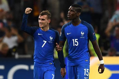 Manchester united, arsenal and liverpool are on fresh alert to sign barcelona's french world cup winner antoine griezmann, 29, after lionel messi's decision to stay at the nou camp. Manchester United 'perfect' for Paul Pogba - Griezmann ...