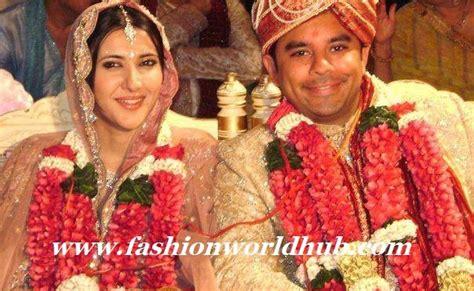 black wedding rings for sakshi sivanand marriage pic fashionworldhub