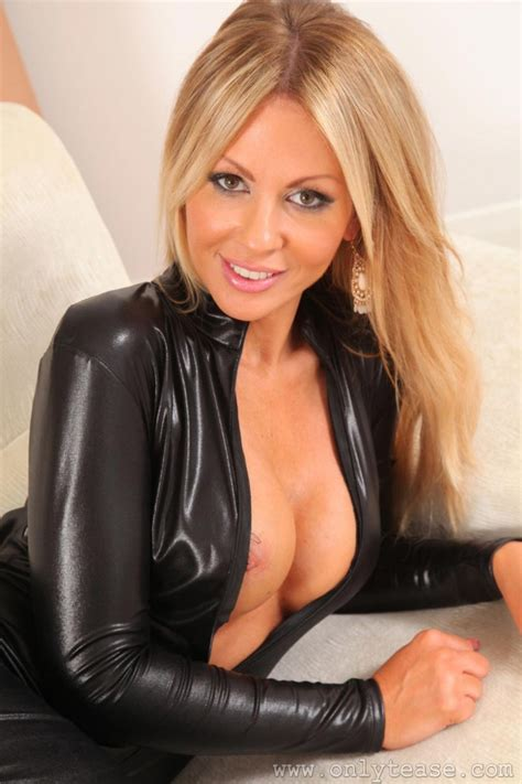 Susie Summers In Sexy Leather