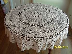 Handmade Crocheted Pineapple Tablecloth 70 Inch Round Natural