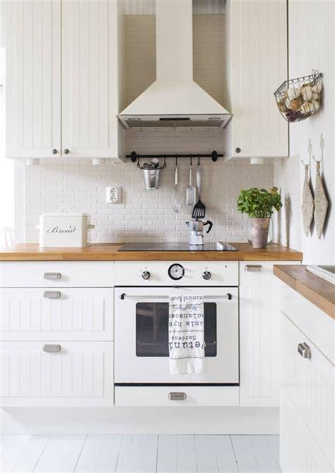 Lining Kitchen Cupboards by Pin By Mirjana Jankovic On Kuhinje Kitchen