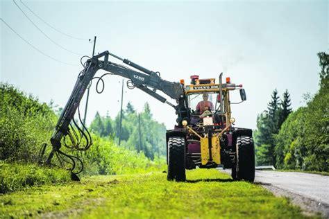 LAU aktualizē asfalta vienkārtas virsmu apstrādi ...