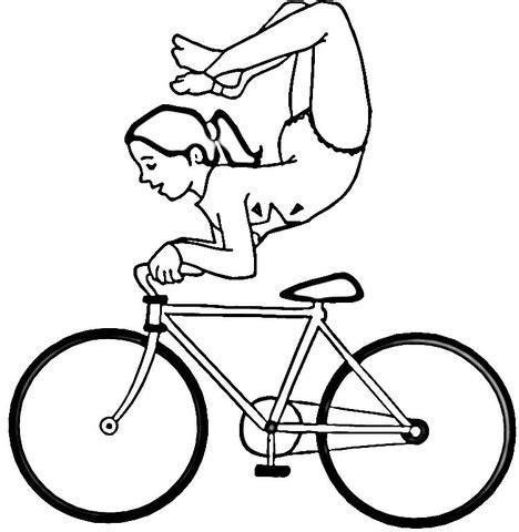 ausmalbild akrobat auf einem fahrrad ausmalbilder