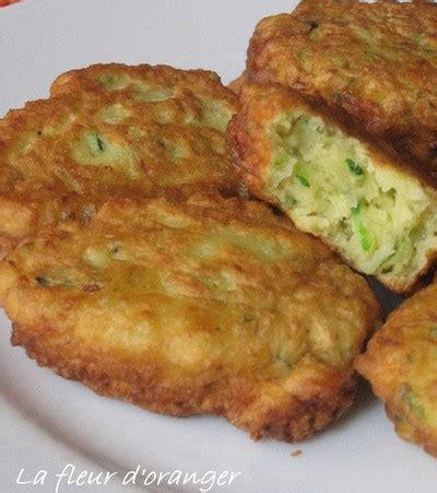 cuisiner les courgettes recettes de beignets salés les recettes les mieux notées
