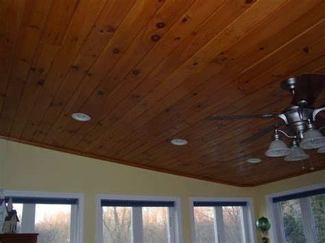 Knotty Pine Beadboard : The Ceiling Looks Good... With White